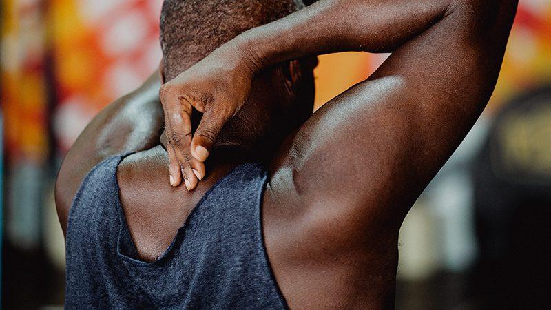 五十肩は人生で最悪の部類に入る痛み。